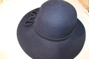 Blauer Vintage Hut - nicht so staubig wie er aussieht :)