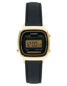 Casio - Digitaluhr mit schwarzem Lederband über asos.com um 53 Euro