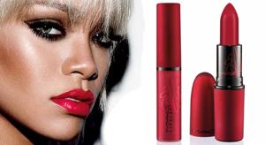 ein neuer Rotton durfte bei mir einziehen: Viva Glam von Rihanna für MAC