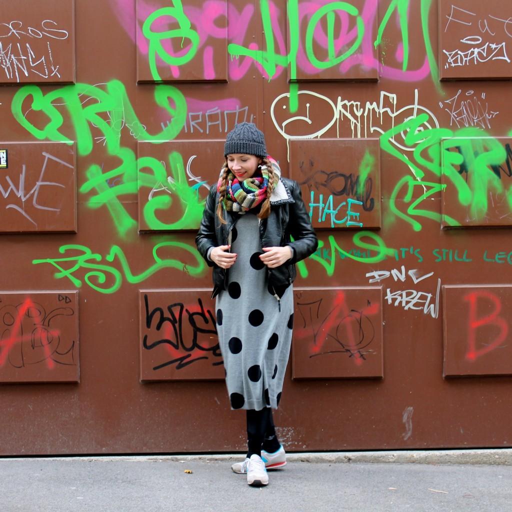 dress_dots